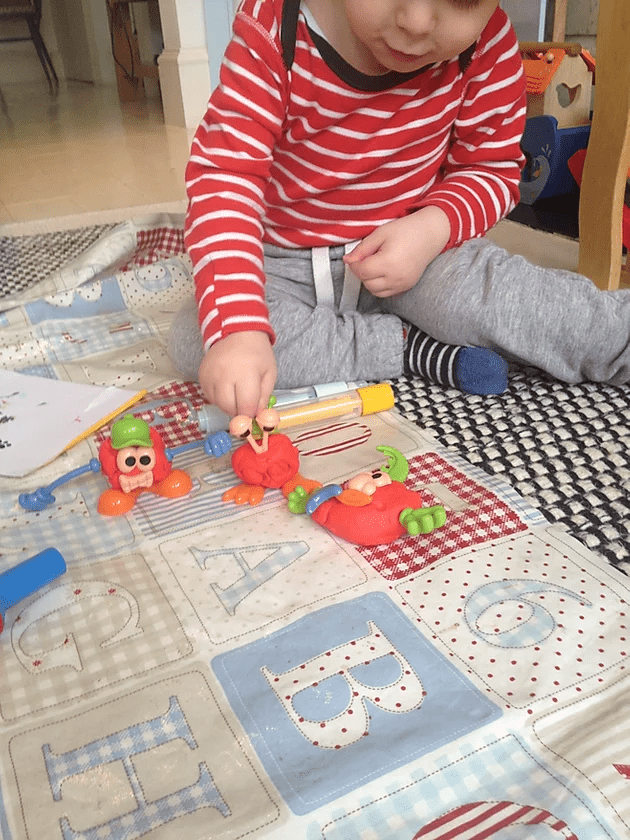 play doh, body parts, learning, speech, language, speech therapists, hertfordshire, bedfordshire, play